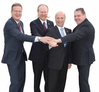 Bild: Geschäftsleitung: v.l. Udo Reimer, Manfred Pfeiffer, Christian Bartholomay und Detlef Marciniak