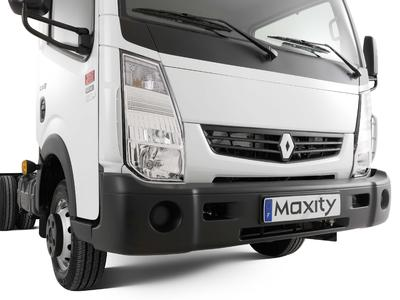 Der neue aerodynamische Stoßfänger verleiht dem Renault Maxity Euro 5 ein kräftigeres Erscheinungsbild
