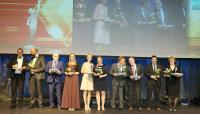 Ein Finalist beim Großen Preis des Mittelstands: die Augel GmbH – Preisverleihung: André Prytamannyi (zweiter v.r.) und Achim Adams (dritter v.r.)