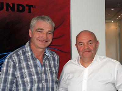 Stefan Görlitz (right) left the company on September 30, 2014. Ludger Wissing, General Manager, thanked him for his engagement in the past five years