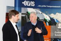 Werben für den Einsatz von LNG-Lkw, um den Treibstoffverbrauch und den CO2-Aussoß zu senken: Jochen Eschborn (rechts), Vorstandsvorsitzender der ELVIS AG, und Josef Heiß, Geschäftsführer der BTK Befrachtungs- und Transportkontor GmbH. (Foto: ELVIS)