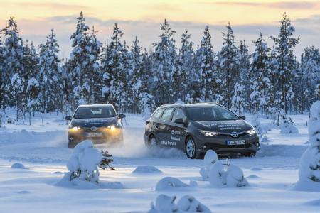 DriveGuard Winter im Einsatz auf tiefverschneiter Fahrbahn