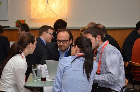 Bei der Countdown-Veranstaltung eine Woche vor Abgabe der Geschäftsskizze können sich die Gründer in Einzelgesprächen von den BPWN-Juroren coachen lassen (Bildnachweiß: netzwerk nordbayern)