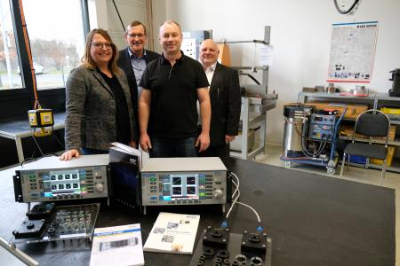 New Eddy Current Test Instruments ELOTEST PL600 for the Training Center of the  DGZfP - Petra Rohmann, Thomas Schwabe, Holger Nowak (DGZfP) and Jürgen Lauer.