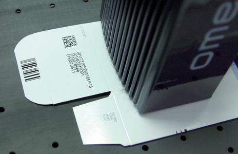 OMEGA pharma: OMEGA Drucker für die Kodierung und Serialisierung von Pharmaverpackungen mit variablen Barcodes und GS-1 Codes