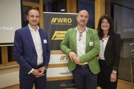 v. l.: Dominik Fehringer (Geschäftsführer WRO), Hansjörg Mair (STG-Tourismuschef), Sonja Schuchter (Bürgermeisterin Gemeinde Sasbachwalden)