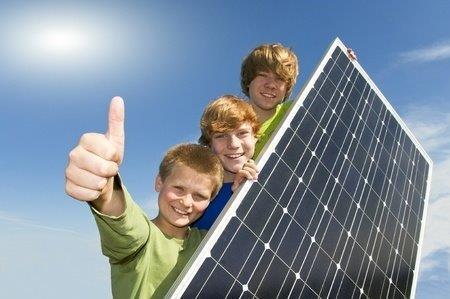 Kinder und Solar