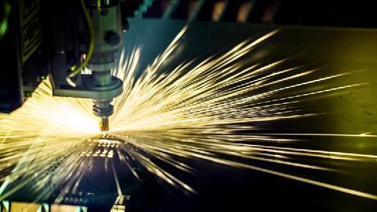 Edmund Optics veröffentlicht neue Video-Reihe im Bereich Laseroptik