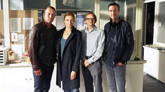 Dreharbeiten zum Tatort Kollateralschaden in Hamburg; Wotan Wilke Möhring, Franziska Weisz, Milan Peschel, Stephan Rick (v.l.n.r.)