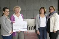 fme unterstützt das Mütterzentrum Braunschweig mit einer Spende. Von links nach rechts: Andrea Wurm (fme AG), Rita Dippel & Monika Döhrmann (Mütterzentrum Braunschweig), Diane Röhl (fme AG).