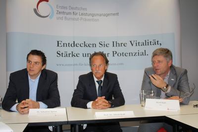 """Dr. Sebastian Spörer, Prof. Dr. Alfred Wolf und Bernd Rath organisierten gemeinsam den ersten Experten-Summit zum Thema """"Leistung und Leistungsverlust in der Arbeitswelt"""""""