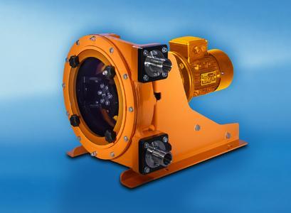 Die Schlauchpumpen DULCO®flex DFCa ist mit Rollen und gewebeverstärkten Schläuchen ausgestattet. Sie ist für den harten Industrieeinsatz und Fördermengen bis zu 12.000 l/h bei 8 bar bzw. 25.000 l/h bei 4 bar geeignet.