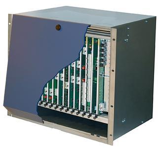 Jetzt im 19-Zoll-Format: das hybride Kommunikationssystem SOPHO iS3000 von NEC Philips Unified Solutions.