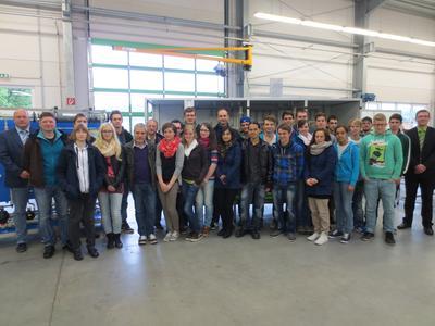 Angehende Technische Produktdesigner der David-Roentgen-Schule in Neuwied zu Besuch bei den Prozesswasser-Experten von EnviroFALK