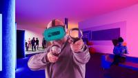 Spaß bei der Arbeit? Bei uns geht das. Wir bieten Angebote für Unternehmen, VR Space Cube, die virtuellen Welten in Gera
