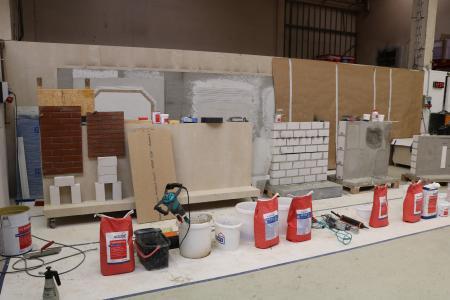 Während der Fachpraxis-Seminare wird eine breite Palette an Produkten und Systemen vorgestellt / Bildquelle: Remmers, Löningen
