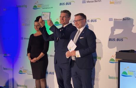 André Jurleit von der GPSoverIP Company nimmt den Preis für das GPSauge MI6 v.2 entgegen