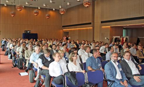 Über 200 Teilnehmer verfolgten die Vorträge der Experten auf dem 2. Innendämmkongress in Dresden 2013. Bildquelle: Bernhard-Remmers-Akademie, Löningen