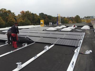 Solar-Photovoltaik-Strom-Nürnberg-Autohaus-Bronner