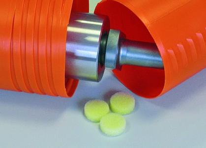 VCI-Spendersysteme mit großer Oberfläche wie beispielsweise Schaumstoff bewirken eine gleichmäßige Verteilung der Korrosionsinhibitor-Moleküle auch in schwer zugänglichen Bereichen. Foto: Bantleon