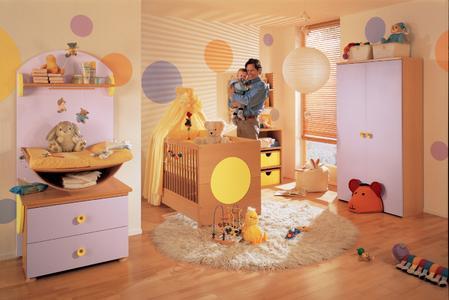 Gesundes Raumklima im Kinderzimmer: Die neue Innenfarbe CapaSan besitzt einen Luftreinigungseffekt. Durch ihre photokatalytische Wirkung werden Bakterien und andere Schmutzablagerungen reduziert.
