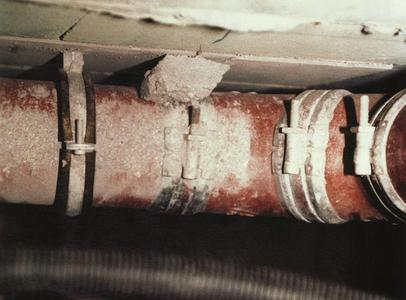 Geräuschübertragung an ungedämmten Rohren (Bildquelle: Kolektor Missel Insulations GmbH)