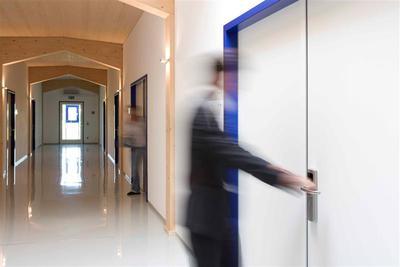 Kabellose Zutrittskontrolle im Bürobereich