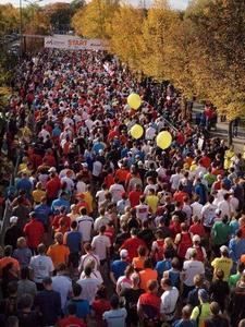 Auch beim München Marathon sind die Medaillenbeschrifter im Einsatz