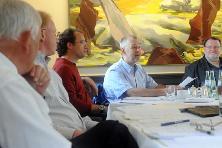 v.l.n.r. Ulf Scharrelmann (Notar), Dirk Werner, Marco Marty, Matthias Albrecht, Stefan H. Tarach
