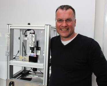 Prof. Dr. Andreas Heinrich, der diesjährige Forschungspreisträger der Hochschule Aalen, entwickelt neue optische Mess- und Beleuchtungssysteme