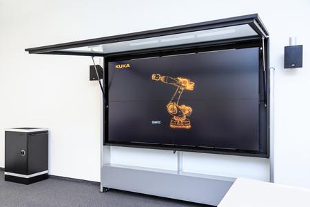 Kuka Schulungscenter mit eyevis-Displays (4)
