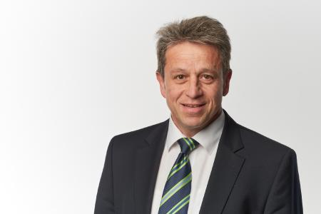 The new sales director at Schneider-Kreuznach, Dr. Raimund Lassak
