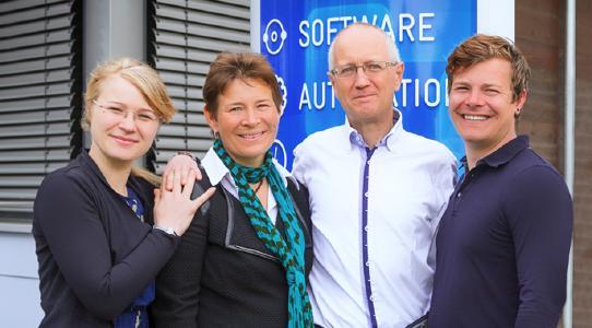 Carina Clausohm - IT Project Manager, Katharina Clausohm - Business Executive, Michael Clausohm - Technical Development Manager, Heiner Clausohm - Workshop Manager (v.l.n.r.)