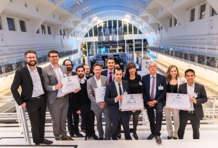 IHK-Geschäftsführer Dr. Mathias Hafner (vordere Reihe, 4. von links) mit den saarländischen Preisträgern. Foto: Geoffrey Meuli -Nyuko