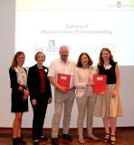 Die Zusammenarbeit beider Organisationen in der Life-Sciences-Branche bietet große Chancen für Unternehmen und Forschungseinrichtungen aus beiden Regionen. v.l.n.r.: Dr. Sandra Sapich, Caroline Ref, Prof. Dr. Ralf Kindervater (BIOPRO Baden-Württemberg); Agnès Legoll, Aurélie Paulen (BioValley France).