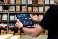 Mobile Lösungen  |  Vielfältig einsetzbar - Optimal nutzbar | Egal ob in Lager, Produktion oder im Service – mit mobiler Datenerfassung optimieren Sie die Prozesse entlang der Supply Chain ohne Zeitverzögerung und Medienbrüche.
