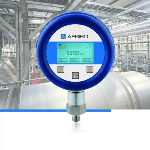 The new AFRISO precision digital pressure gauge DIM 30 was developed for mobile electronic pressure measurement with high demands in terms of accuracy and long-term stability. The scope of delivery includes batteries, the evaluation software and a PC connection cable. Accessories include a hand-operated pump for calibration and a robust case with foam inlay for safe transport (Photograph: AFRISO)