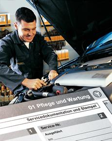 Replacing a timing belt at the proper time prevents costly engine damage. Decisive for the replacement, however, is not only the number of kilometers driven but also the age of the belt. Photo: ContiTech