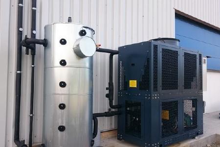 PCM-Kältespeicher mit Flüssigkeitskühler