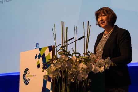 VDA-Präsidentin Hildegard Müller bei der Eröffnung des Forums