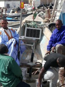 artisanal fishing vessel