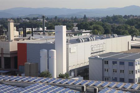 Micronas baut Blockheizkraftwerk am Standort Freiburg zur Gewinnung von Strom, Wärme und Kälte direkt vor Ort