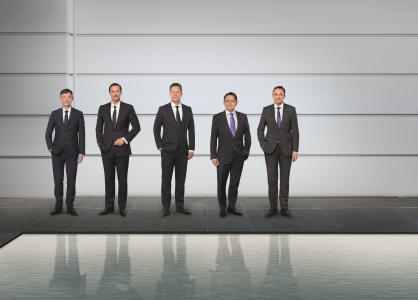 Der Vorstand der Wilo Gruppe (vlnr.):  Dr. Markus Beukenberg (CTO), Eric Lachambre (COO), Oliver Hermes (Vorsitzender des Vorstands & CEO), Mathias Weyers (CFO) und Carsten Krumm (COO)