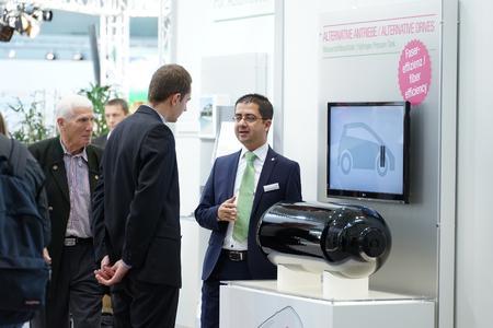 REHAU Wasserstoffdrucktank: 10 – 20 Prozent leichter im Vergleich zu klassisch gefertigten Tanks  (Fotos: REHAU)