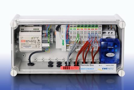 Mit der bei NEXT ENERGY entwickelten DAQ-Box lassen sich thermische und elektrische Verbräuche sowie Temperaturen im Sekundentakt aufzeichnen