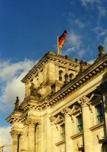Der Deutsche Bundestag wird erst am 10. Mai über das KWK-Gesetz 2012 entscheiden (Bild: I. Rasche_pixelio)