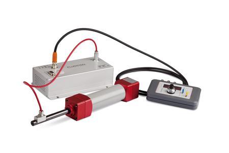 """""""Smart-PID-System"""": Regelbarer Dämpfungszylinder und Leistungsverstärker von FLUDICON hier mit Steuerbox"""
