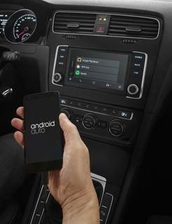 PIONEER NAVGATE EVO – das Connectivity-Update für den VW Golf 7