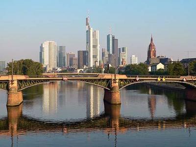 Am 3. und 4. Februar 2016 ist Frankfurt am Main Treffpunkt der Automobillogistiker / Foto: Tanja Schäfer