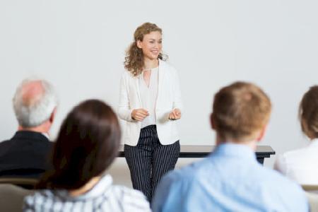 Stellenangebote Schulleitung Fachschule Pflegeberufe